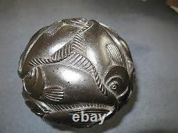 Sculpture Rare MC Escher Sphère Avec Résine De Polyester De Poisson 13 CM 5 1/4 1972