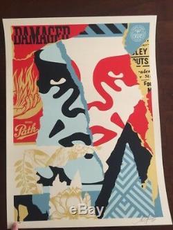 Shepard Fairey Icon Damaged Icon Print Obéir Au Mauvais Chemin Géant Nous, Les Gens